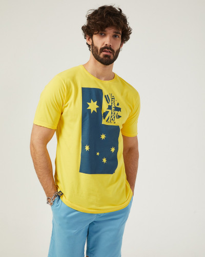 Camiseta de color amarillo