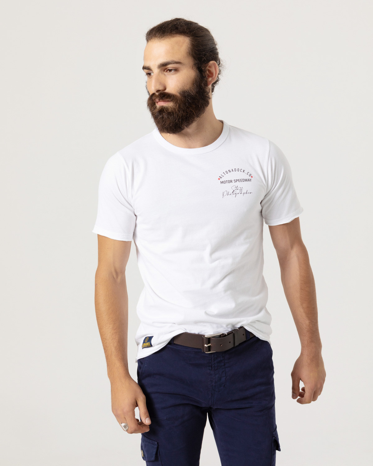 """Short sleeve t-shirt with front drawing """"Staff Photographer""""."""
