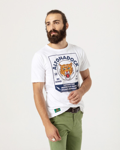 T-shirt short sleeve with tiger print on the front