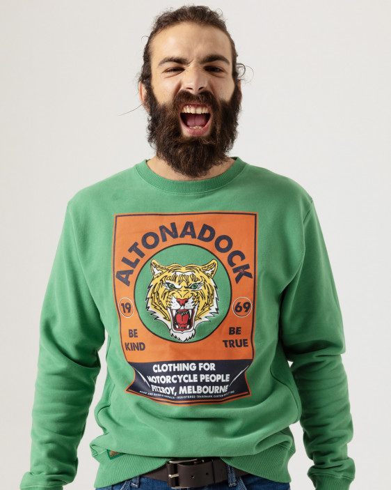 Sweatshirt with tiger print on front